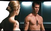 Fag Casper Van Dien strips  in Starship Troopers